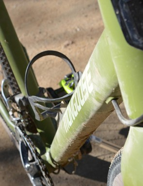 The Guide Expert's down tube isn't some massive, multi-shaped affair and some bottom bracket sway is the result