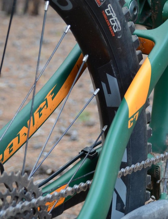 The rear end featured carbon seatstays and aluminium chainstays