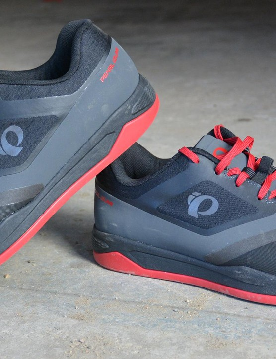 Pearl Izumi's X-Alp Launch SPD shoes blend street- and flat-pedal-shoe looks with an SPD-compatible sole