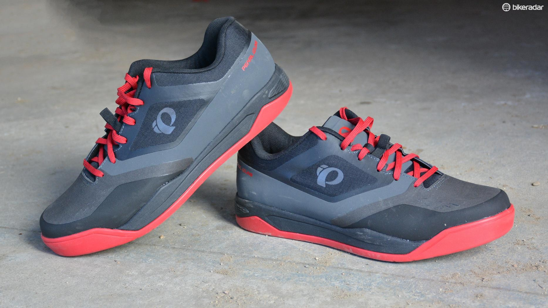 Pearl Izumi's X-Alp Launch SPD shoes are casual, clip-in bike shoes
