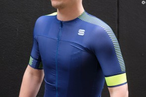 Removing seams over the top of the shoulder improves comfort, as well as aerodynamics says Sportful