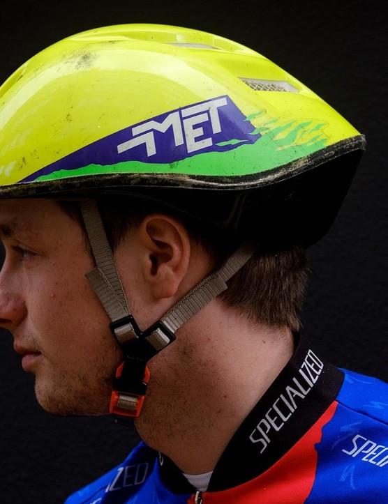 We need help identifying this early MET helmet