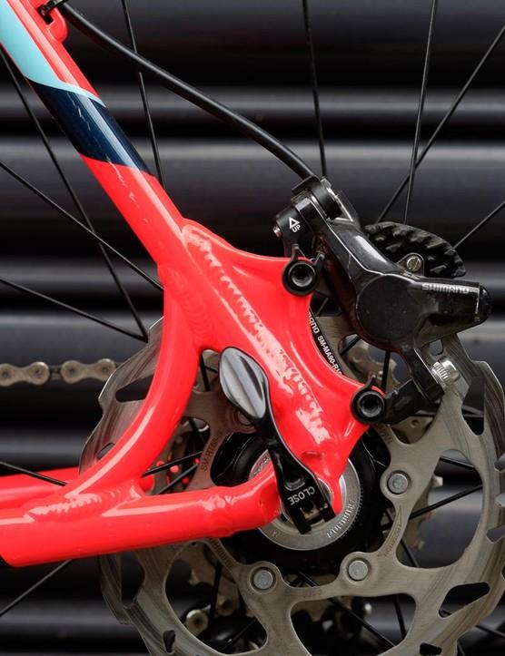 Shimano BR-785 hydraulic disc brakes rear…