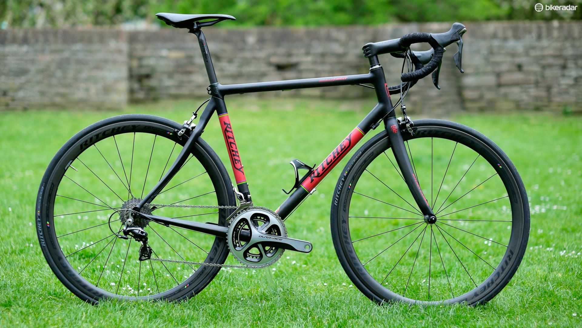 Ritchey's Carbon Break-away does a super job of hiding its dividing abilities