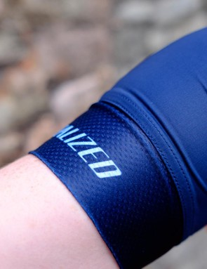 The cuffs and sleeves are panelled to ensure a secure, comfortable fit