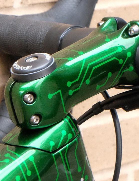 The build has a painted to match stem and seatpost