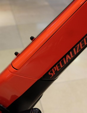 Specialized cleanly integrates the battery in the Turbo Vado