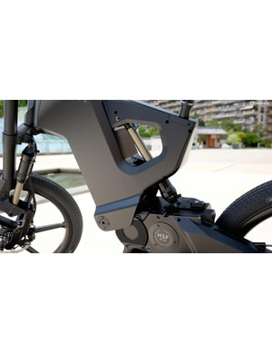 The DTR features remotely adjustable air sprung suspension at both ends