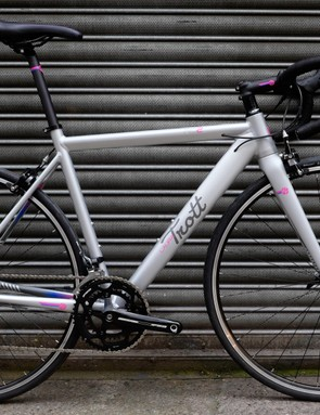 The Laura Trott RD2 is the second of three affordable road bikes from the new Halfords brand