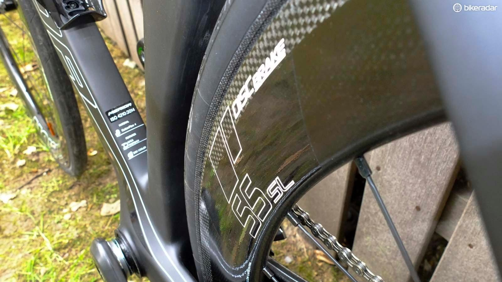 Vision Metron 55SL Disc wheels with 25mm Continental clinchers are standard spec on this bike