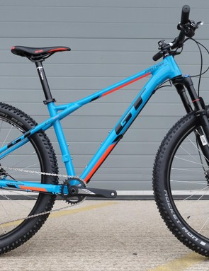 The £1,400 Expert tops off a trio of Pantera models and gets an FSA/Shimano 1x drivetrain, 120mm Rockshox Revelation fork and Shimano discs