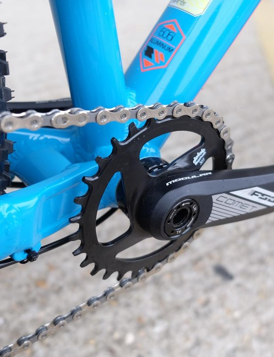 The FSA Comet chainset uses a 30t-integrated chainring