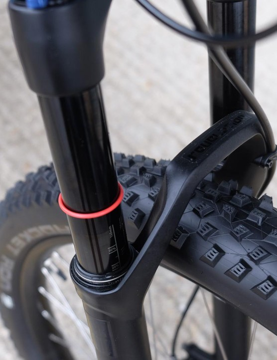 The 120mm Rockshox Revelation RL at the front of the Pantera Expert features Boost spacing