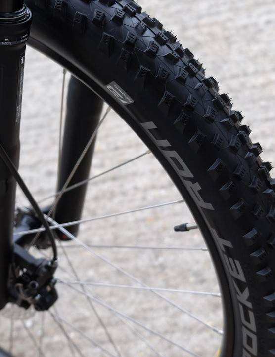 The Pantera Expert gets an FSA/Shimano 1x drivetrain, 120mm Rockshox Revelation fork and Shimano discs