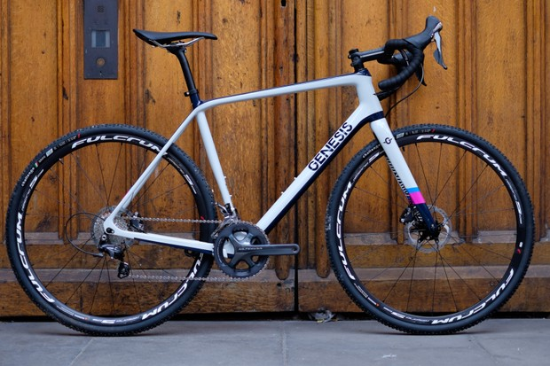 The new 2017 Genesis Vapour, the first proper 'cross racing bike to feature in the Genesis line up for two years