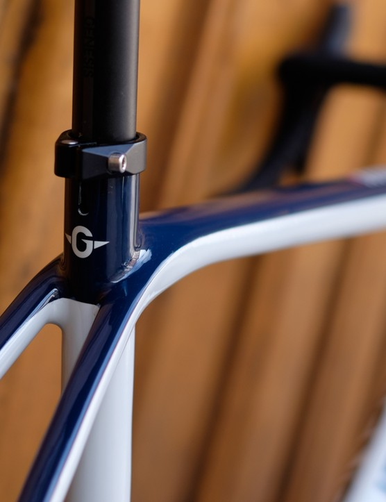 A 27.2mm seatpost should aid compliance at the rear end