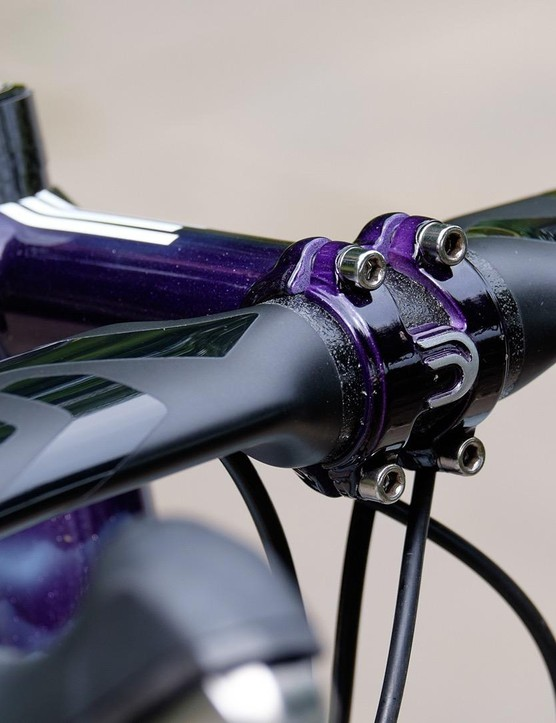 A custom painted Deda stem links the frame to an ENVE aero handlebar
