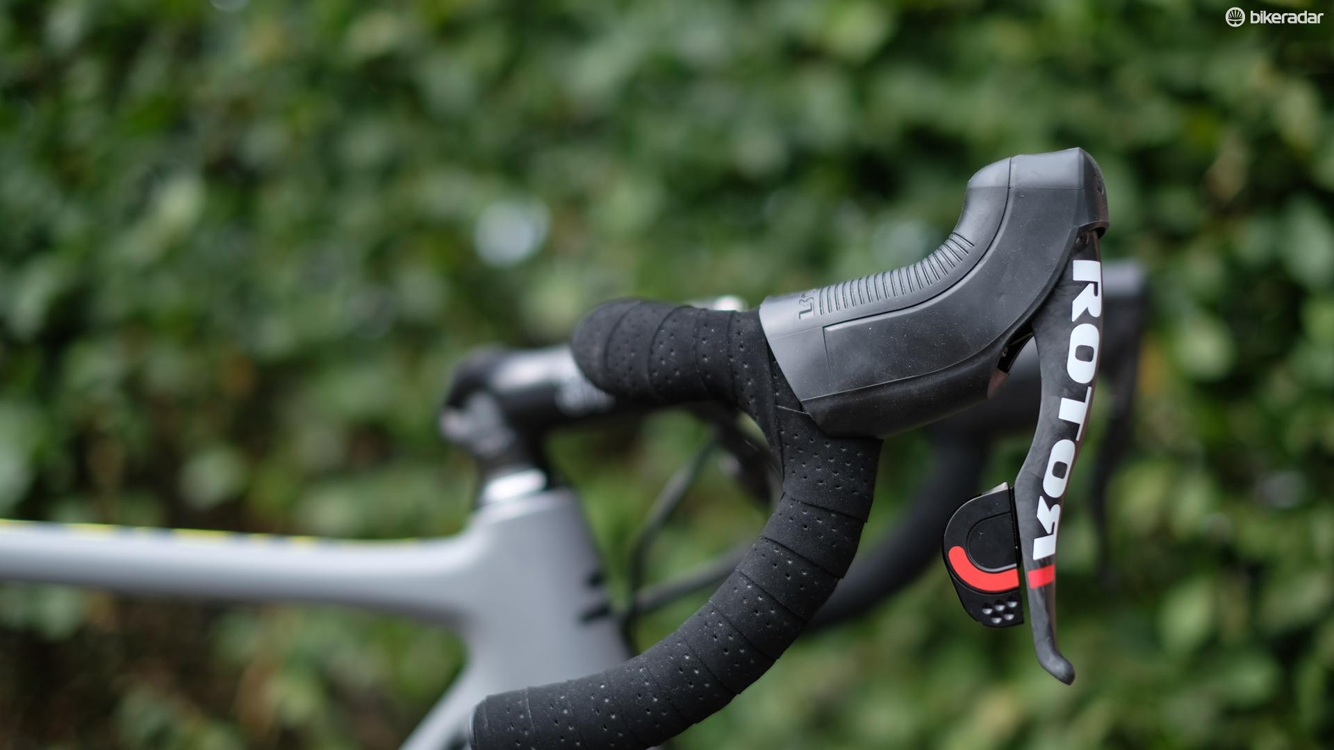 The road bike shifters are the same components that featured in Uno, Rotor's first generation hydraulic groupset
