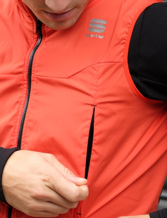 Two extra zips on the front of the Strato top offer extra ventilation options