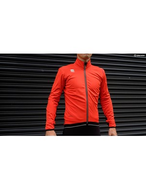 Sportful's Fiandre Ultimate WS jacket is a combination of Gore Windstopper and NoRain materials