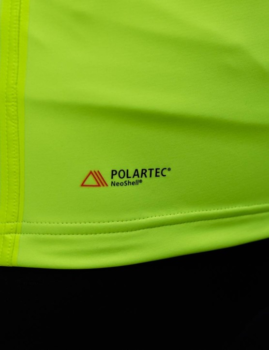 The Polartec material is waterproof, windproof and optimised for temperatures of 0–15 degrees Celsius