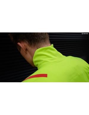 The Fiandre Extreme has a high, ergonomically cut collar