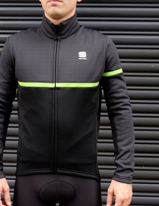 The Giara Softshell jacket is a warm jacket that works just as well off the bike
