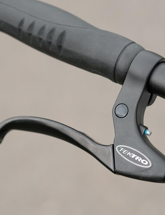 No-frills brake levers and ergonomic grips