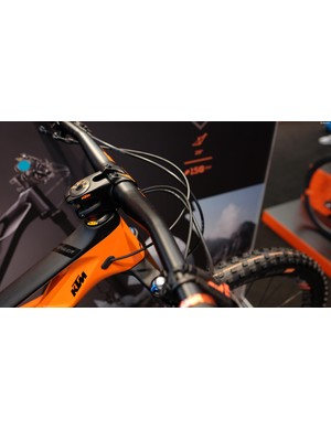 KTM branded 35mm handlebar and stem