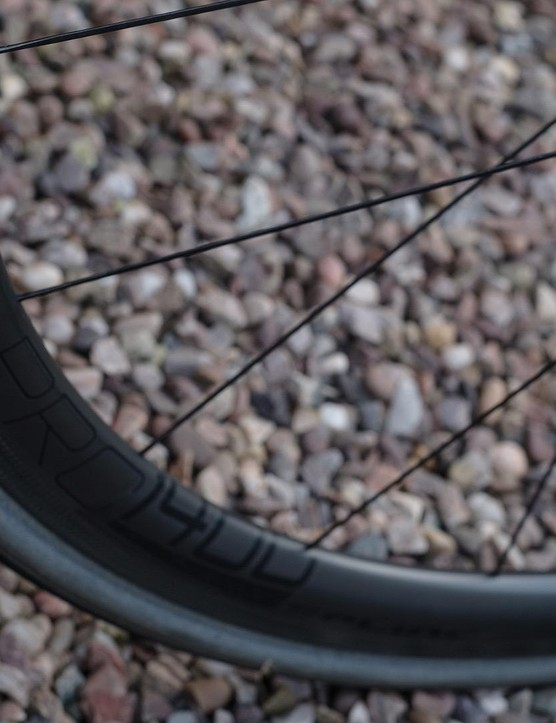 DT's PRC1400 Spline 35 wheels contribute a lot towards the Dare's sharp ride