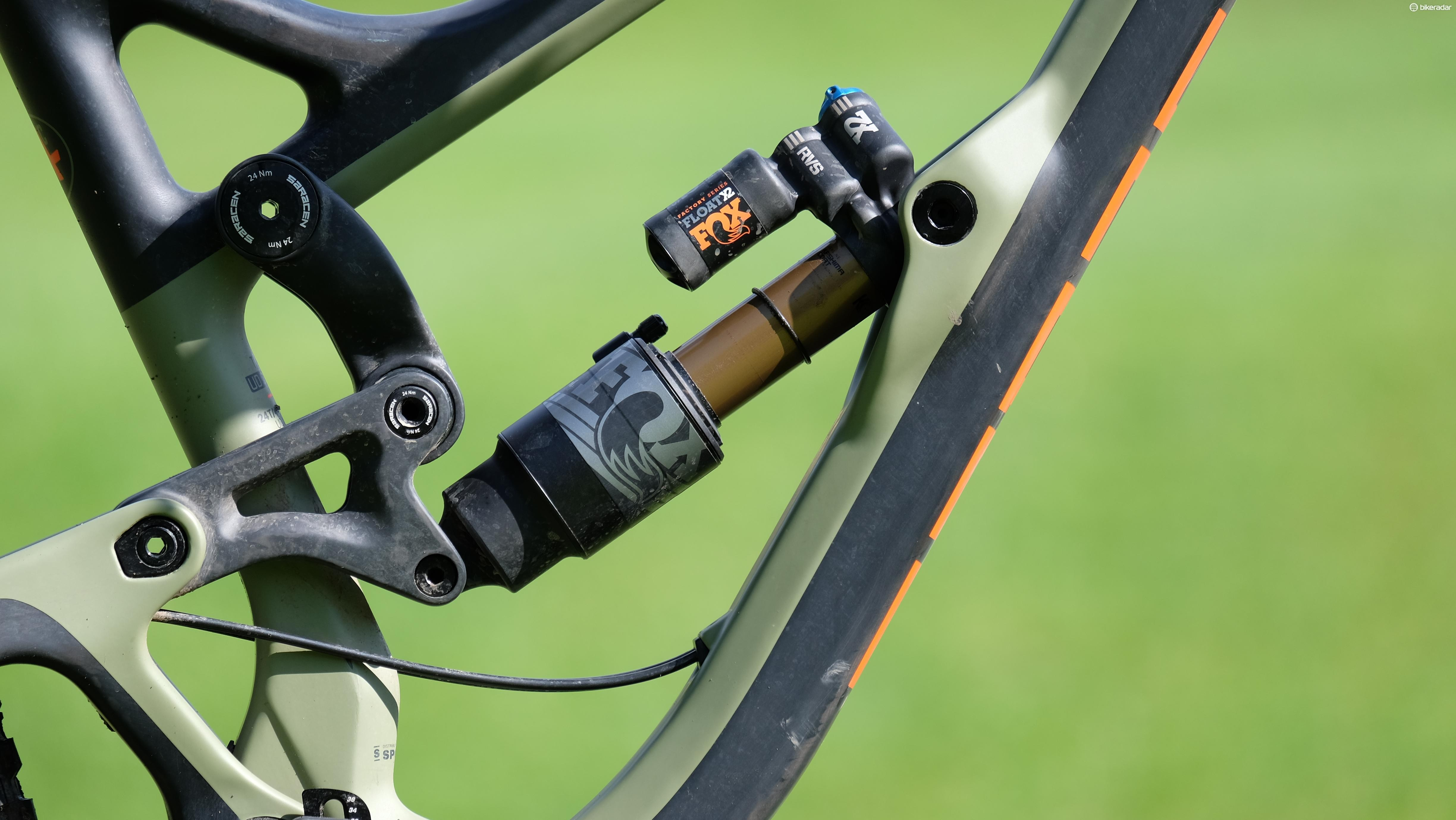 The Ariel uses the same suspension design as the brand's Myst downhill bike, but the carbon links have been tweaked to alter the leverage ratio slightly