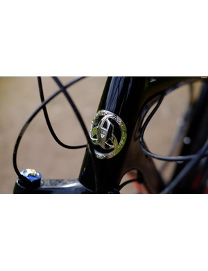 The head tube bage of Maskinen's Prodigy R1 27.5+