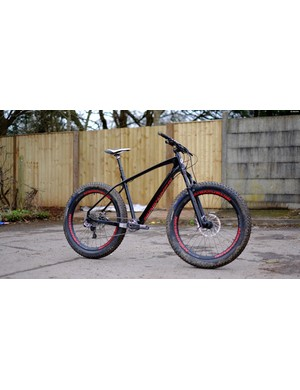 The Prodigy 27.5+ shares its carbon frame with Maskinen's fat bike models, but sports mere plus-sized rolling stock