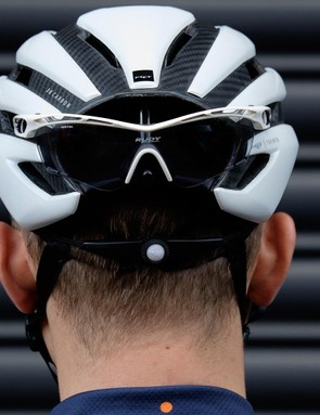 Glasses can be stowed securely at the rear of the helmet