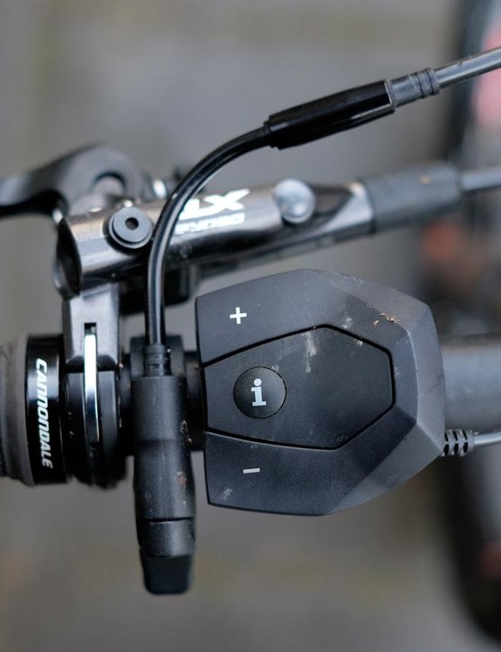 The Bosch system uses a simple handlebar controller