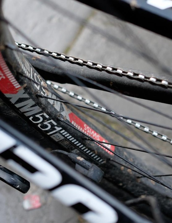 DT's tubeless-ready XM 551 rims feature a 40mm inner width