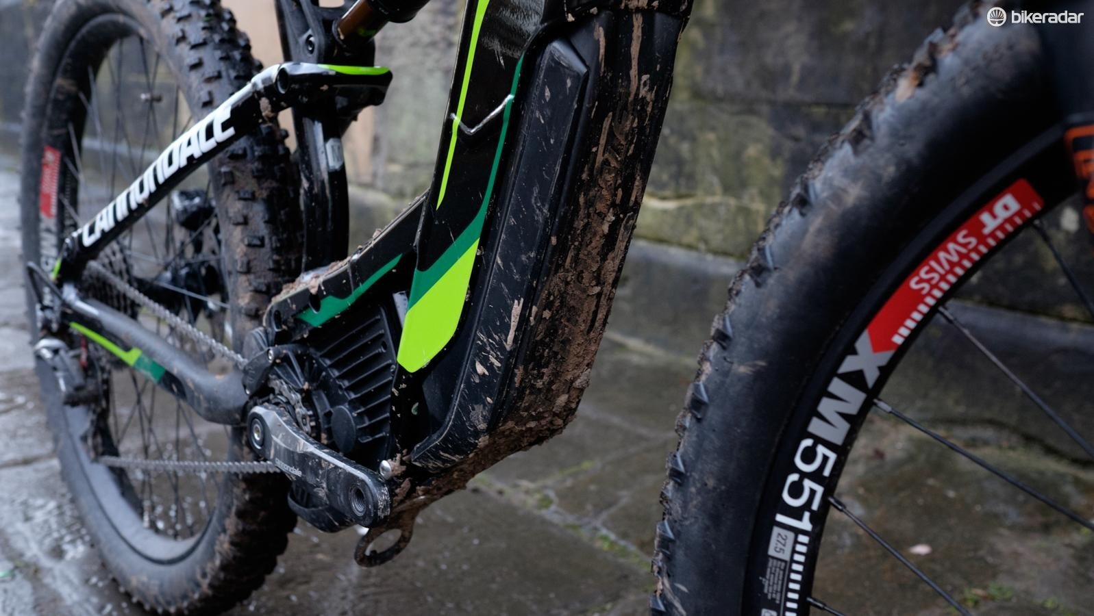 Cannondale's BatStrap is a slightly crude rubber strap that's used to secure the frame-mounted battery in an attempt to minimise the rattling noises often encountered with the e-MTB batteries