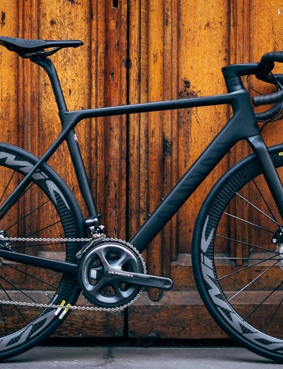 Canyon's Ultimate CF SLX Disc 8 is a subtle-looking road race bike that dazzles