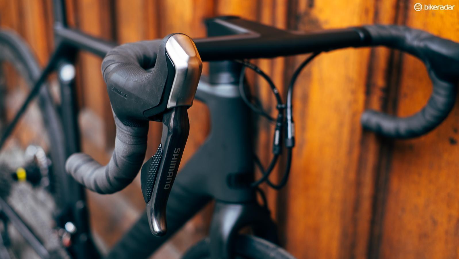 Shimano Di2 ST-R785 levers are popular with BikeRadar testers