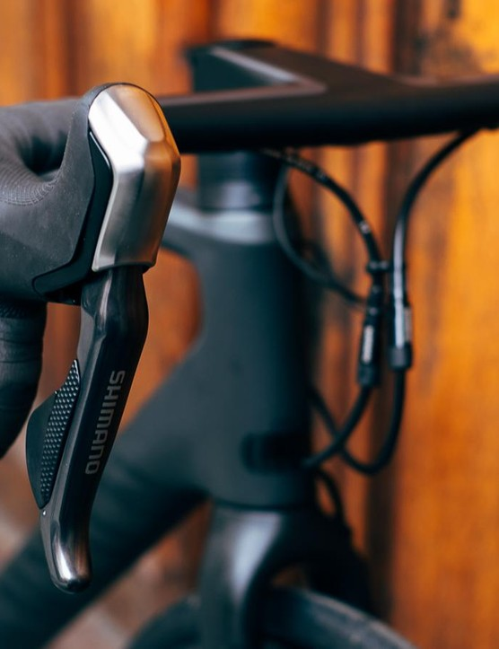 Shimano Di2 ST-R785 levers are popular with BikeRadar testers