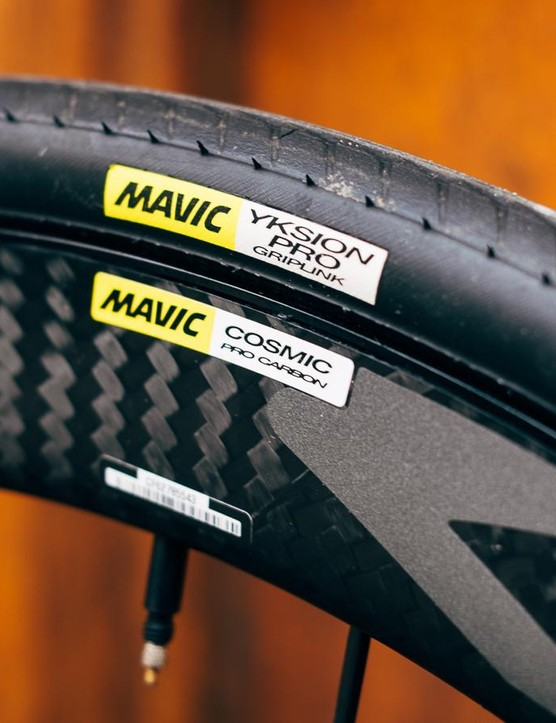Mavic's new Cosmic Pro Disc wheelset comes shod with Mavic Yksion Pro 25mm clinchers