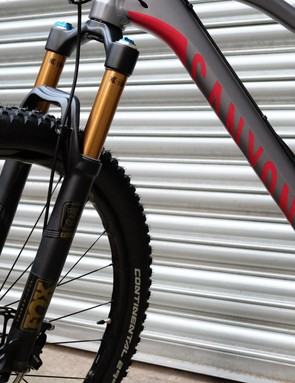 The front wheel is controlled by another top-drawer part from Fox — the Factory version of its 34 Float fork