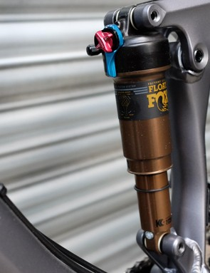 The Factory version of Fox's Float DPS LV shock offers quick and easy adjustment between three compression settings