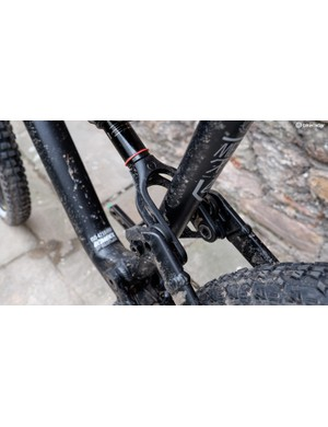 The suspension design is fundamentally similar to the design used in the previous generation Meta V4