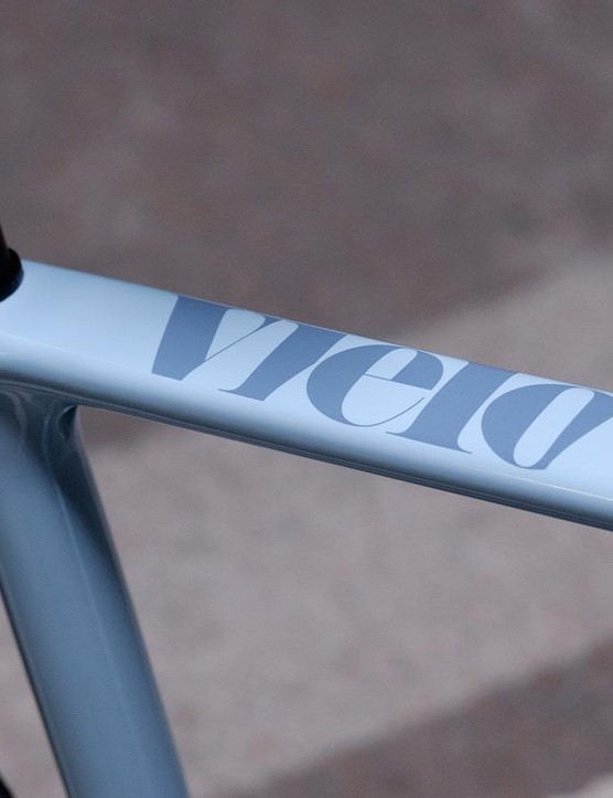 The seat clamp wedge is entirely hidden