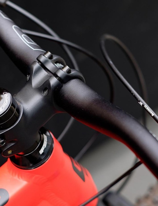 Our XL test bike gets a longer 60mm stem, all other sizes get a stubbier 45mm part
