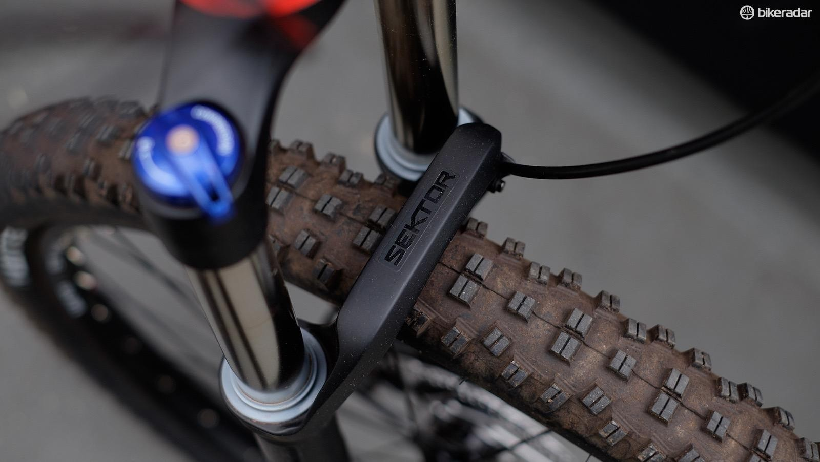 The air-sprung RockShox Sektor fork is simple to set up and adjust for different rider weights