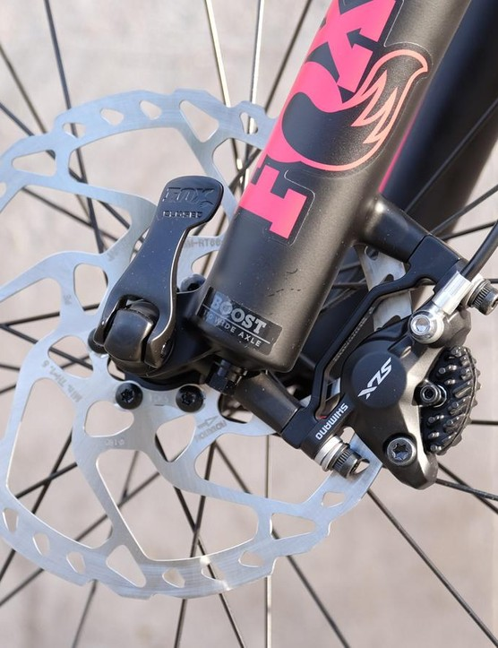 Shimano SLX disc brakes provide the stopping power