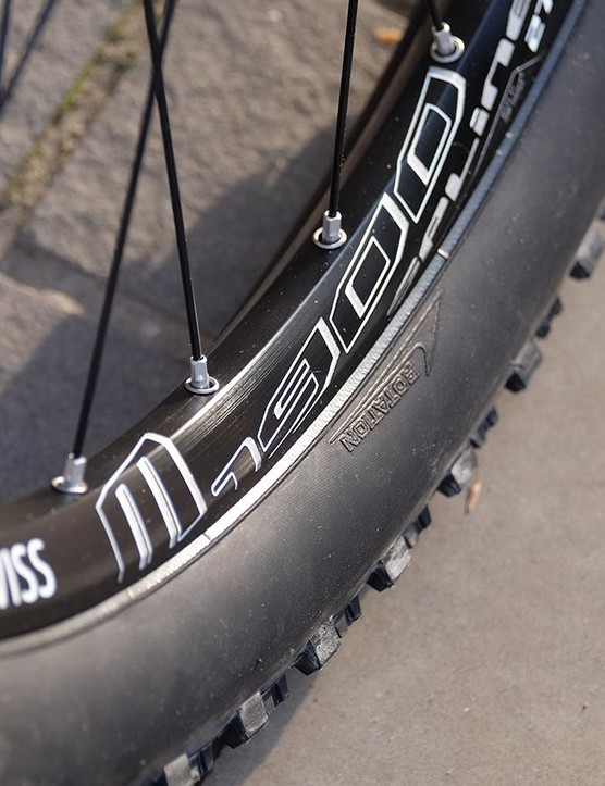 The DT Swiss 370/M542 wheelset is fitted with Maxxis Ardent 2.4 Fold EXO/TR tyres