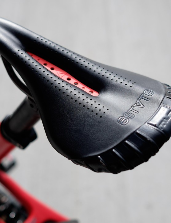 Another look at Astute's distinctive mudline VT saddle